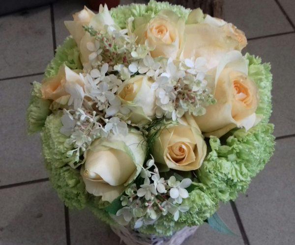 Bukiet z róż i goździków
