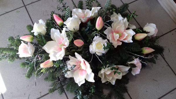 Wiązanka pogrzebowa z kwiatów sztucznych