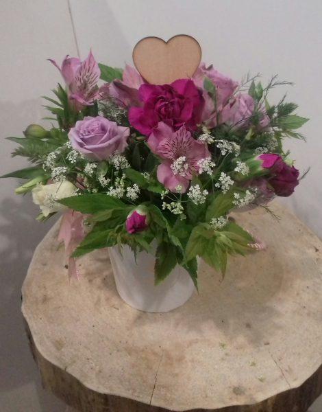 Mały Flower box z kwiatów mieszanych