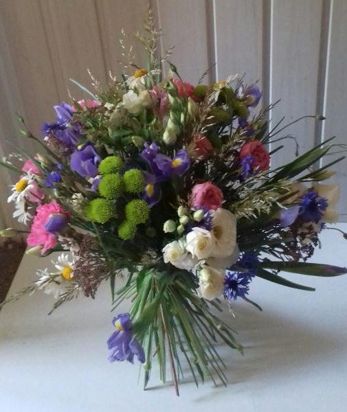 Bukiet z kwiatów polnych i ogrodowych