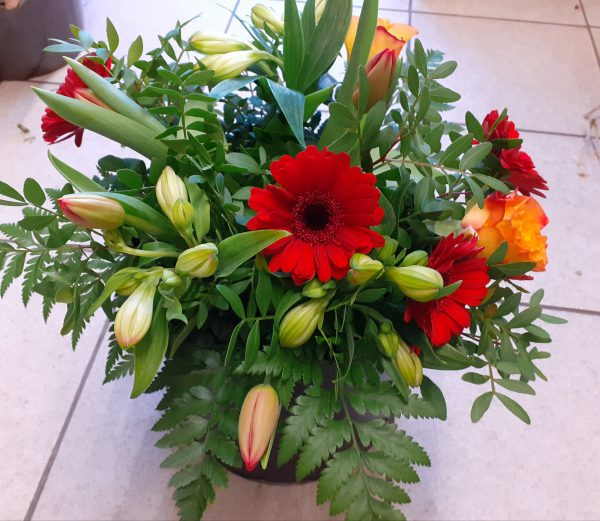 Bukiet z kwiatów mieszanych z gerberą