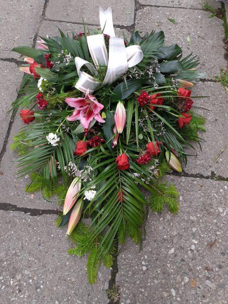 Wiązanka pogrzebowa z lilią i różom