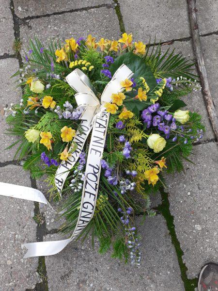 Wiązanka pogrzebowa z ostróżką