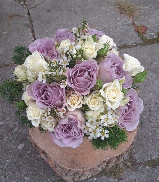 Bukiet z fioletowych róż