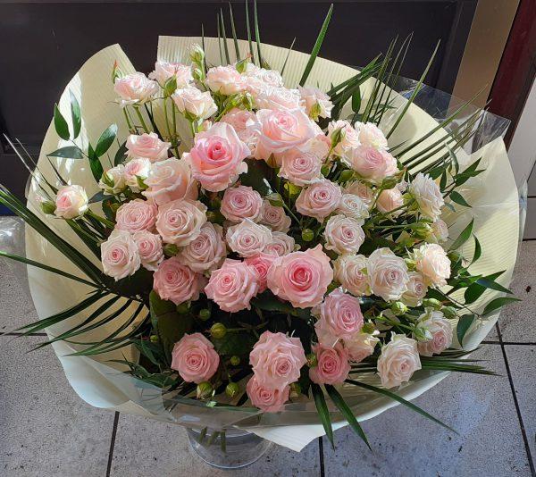 Bukiet z róży drobno gałązkowej