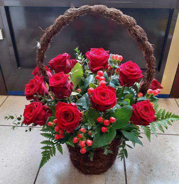 Kosz z 15 róż