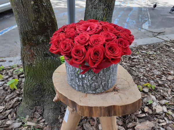 Flower box 35 róż