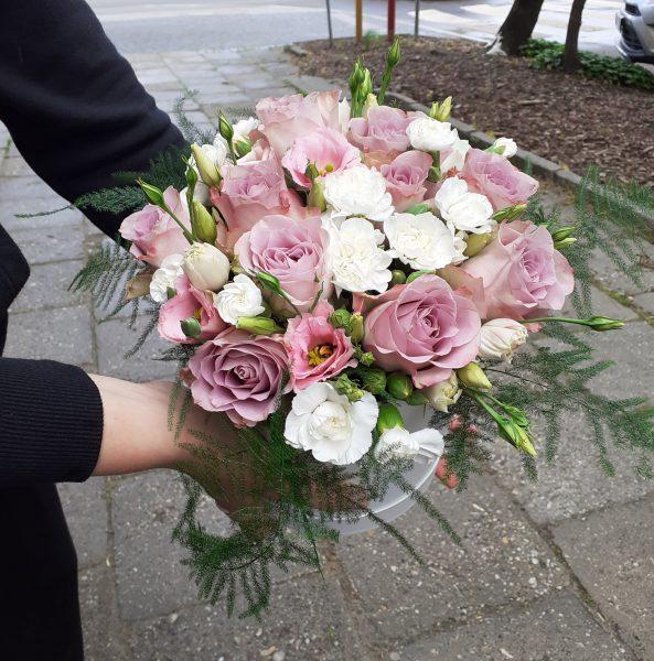 Flower box fioletowe róże
